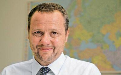 Sander steps down as Chairman